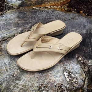 Talbots Nude Leather Thong Kitten Heel Sandals
